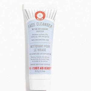 🦋6/$25 FIRST AID BEAUTY Pure Skin Face Cleanser